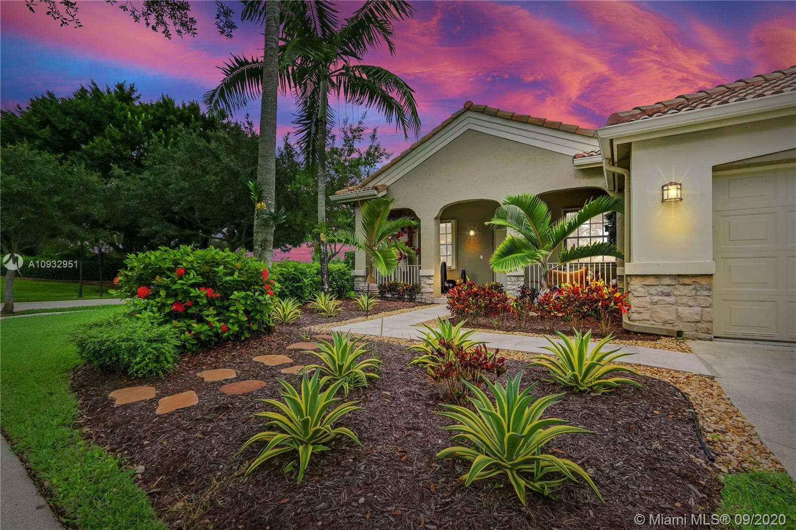3908  Hawks Ct  For Sale A10932951, FL