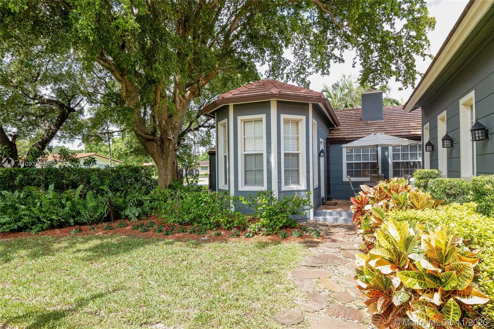 4384 SW 13 St  For Sale A10932500, FL