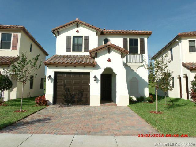 3642 SW 93rd Ave  For Sale A10932127, FL