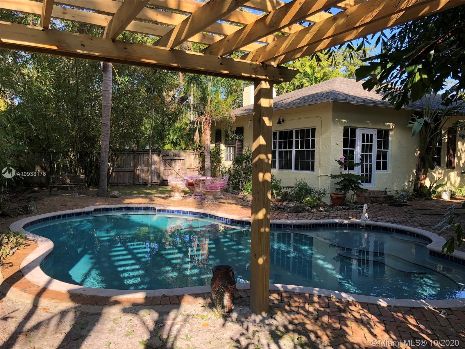 7607 NE 7th Ave  For Sale A10933176, FL