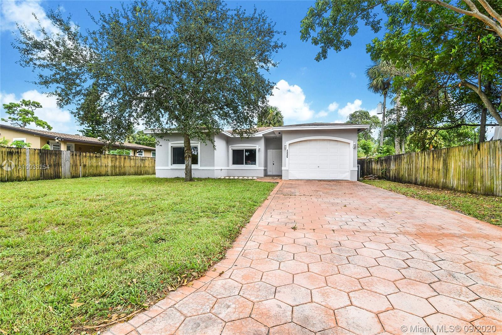 1335 SW 26th Ave  For Sale A10933254, FL
