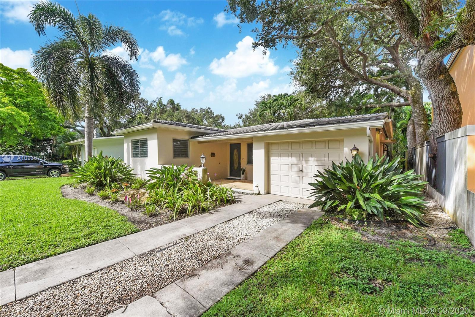 7720 SW 52nd Ave  For Sale A10930778, FL