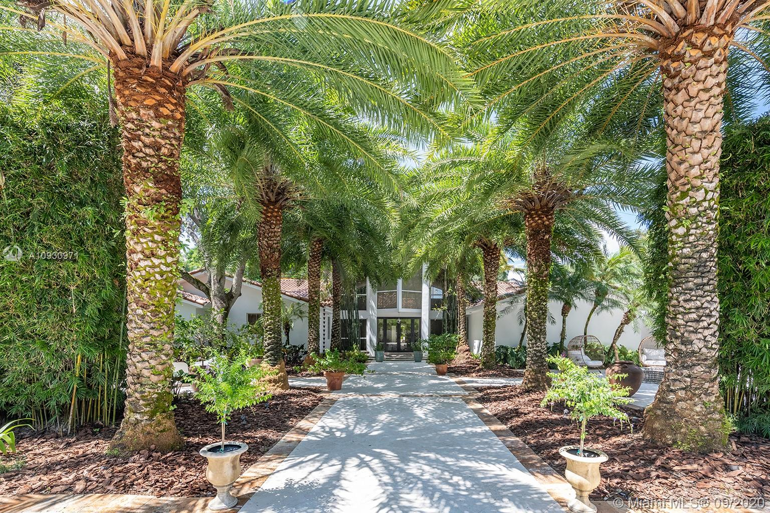 11400 SW 95th Ave  For Sale A10930971, FL