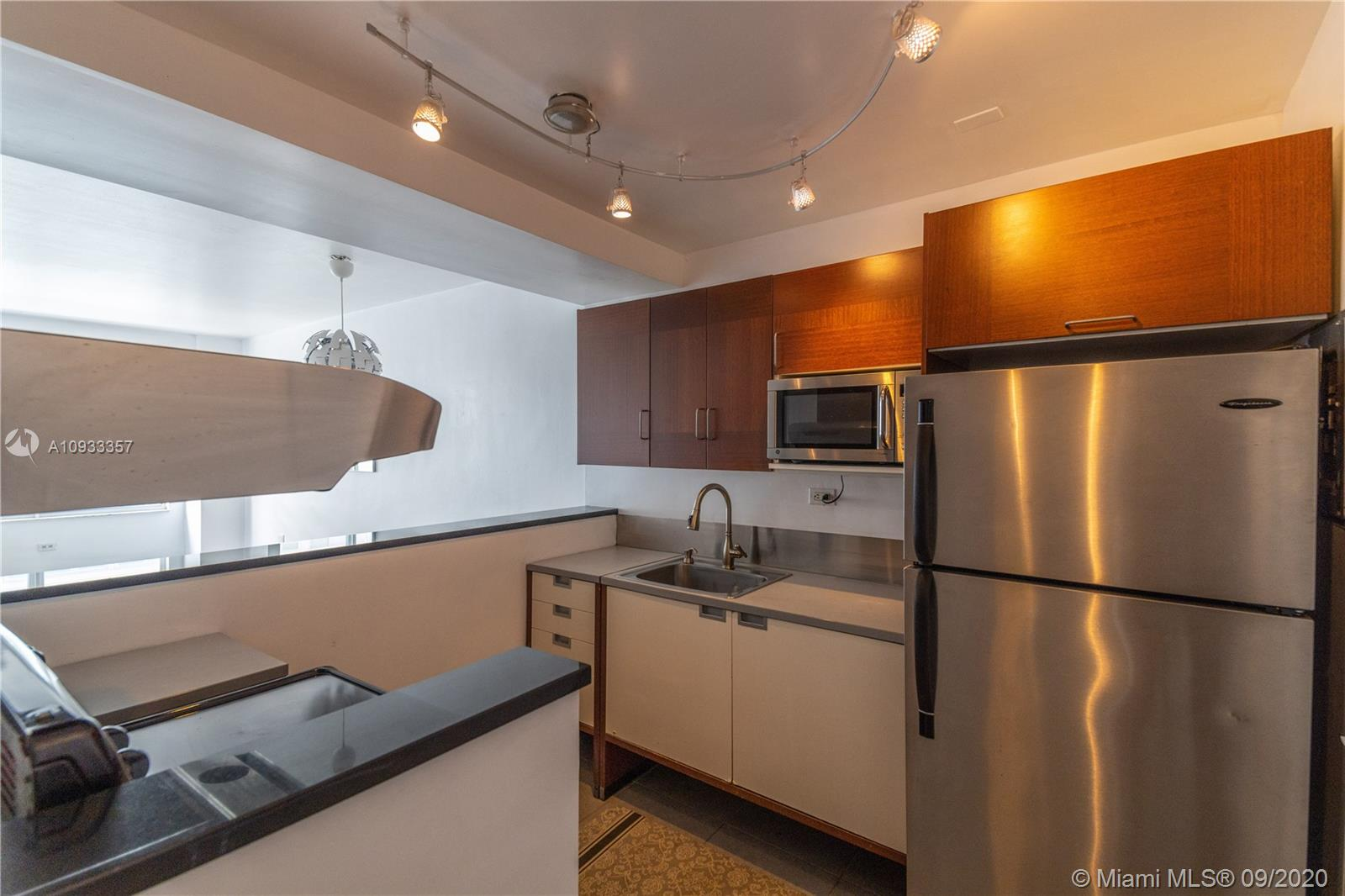 1250  West Ave #6N For Sale A10933357, FL