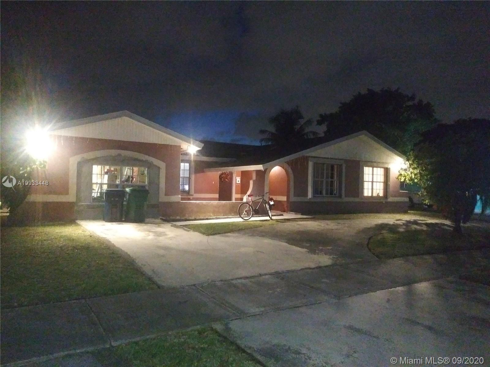 16110 SW 107th Pl  For Sale A10933448, FL