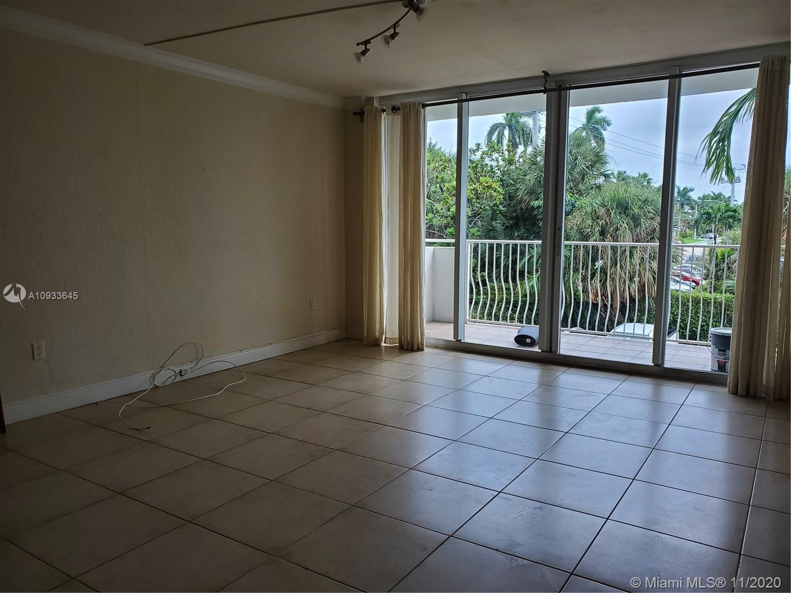 10350 W Bay Harbor Dr #2N For Sale A10933645, FL