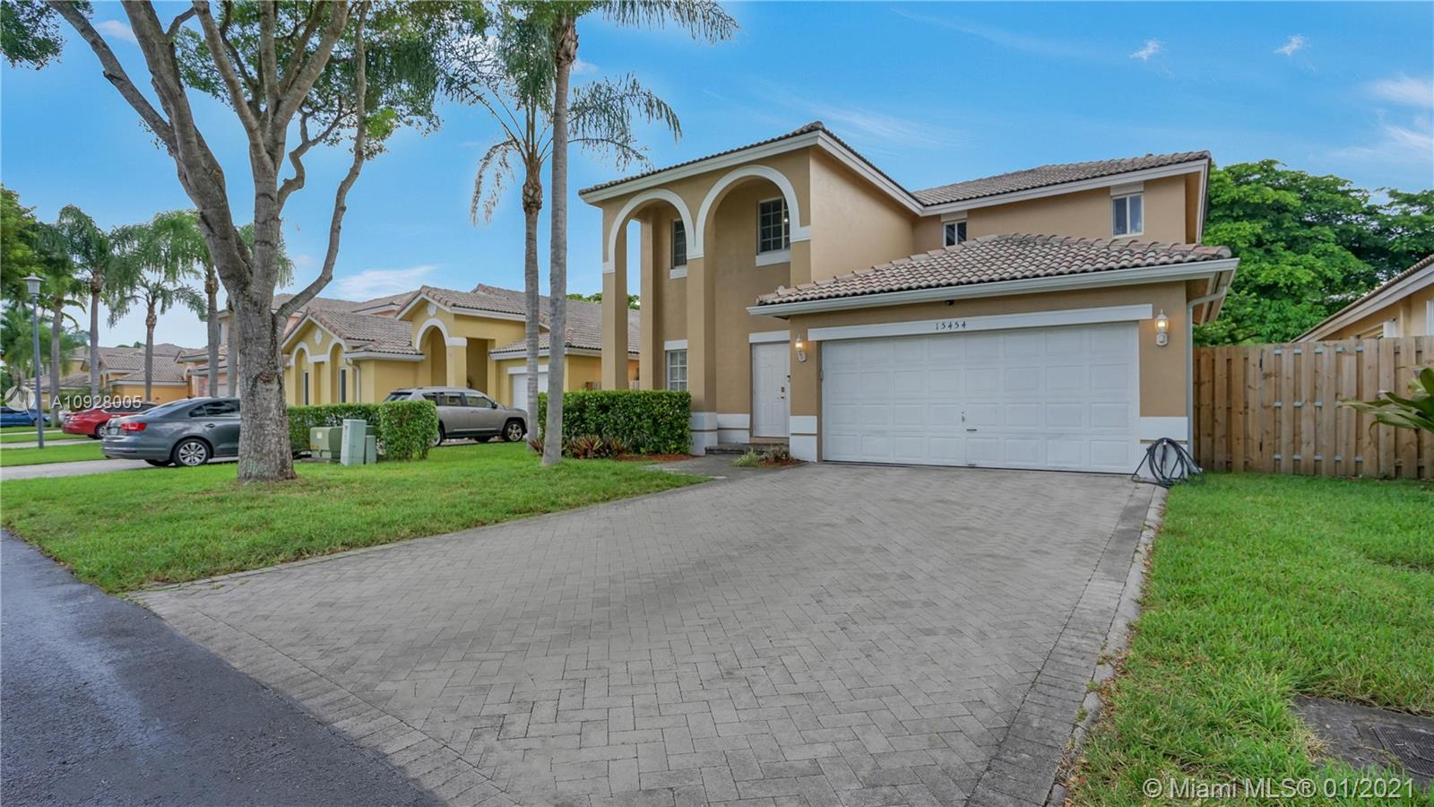 15454 SW 143rd Ter  For Sale A10928005, FL