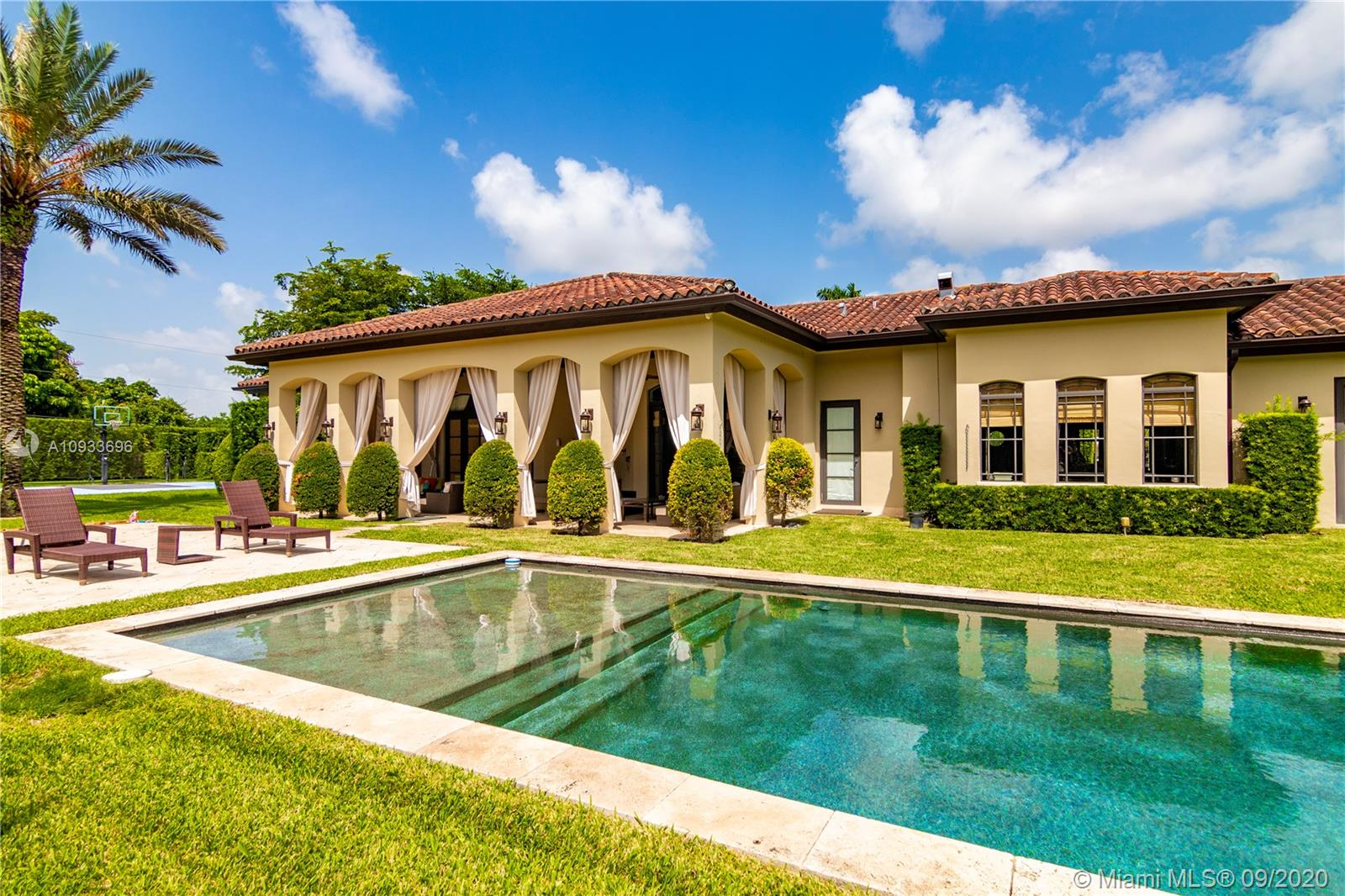 6500 SW 99th Ave  For Sale A10933696, FL