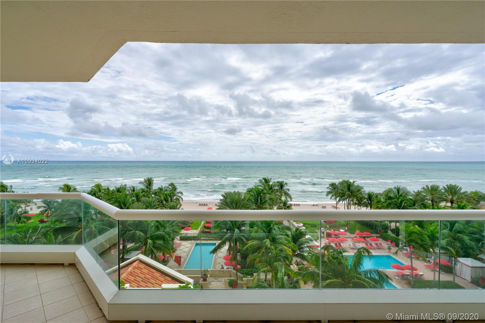 17875  Collins Ave #704 For Sale A10934022, FL