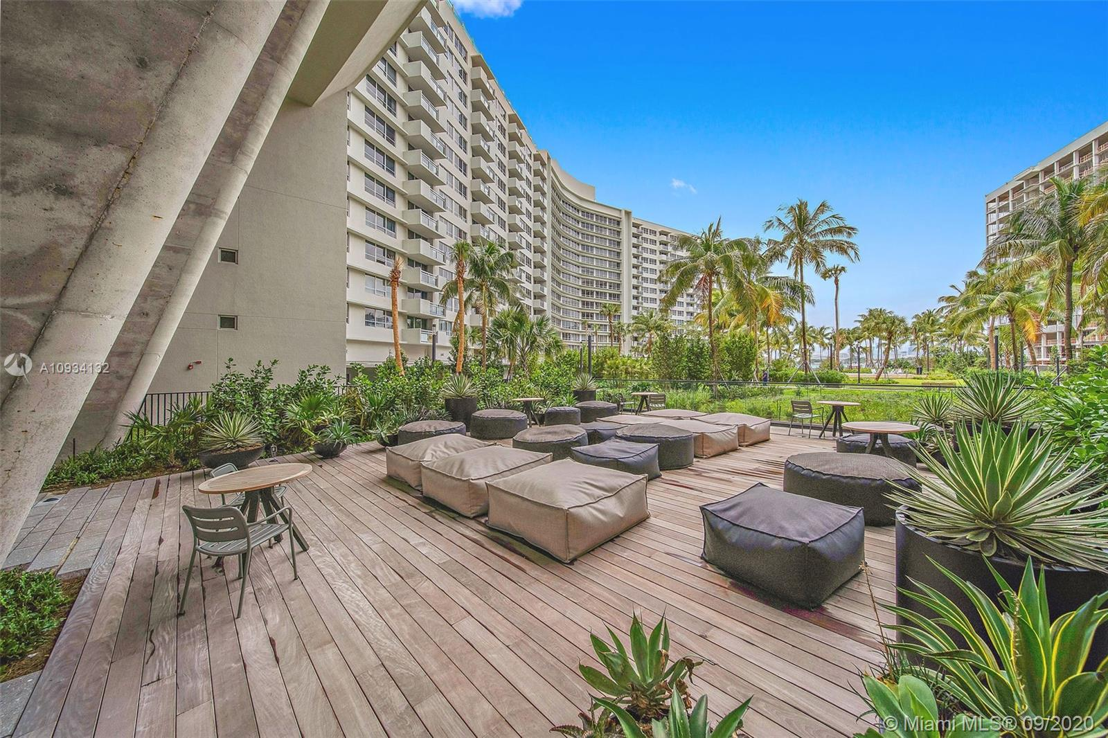 1500  Bay Rd #M-1012 For Sale A10934132, FL
