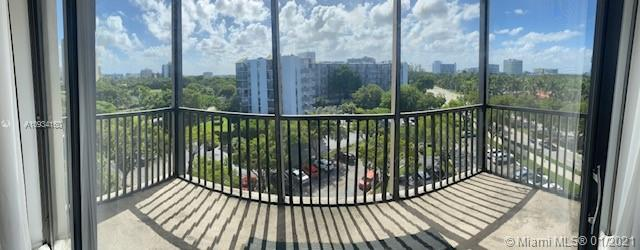 3101 N Country Club Dr #701 For Sale A10934160, FL