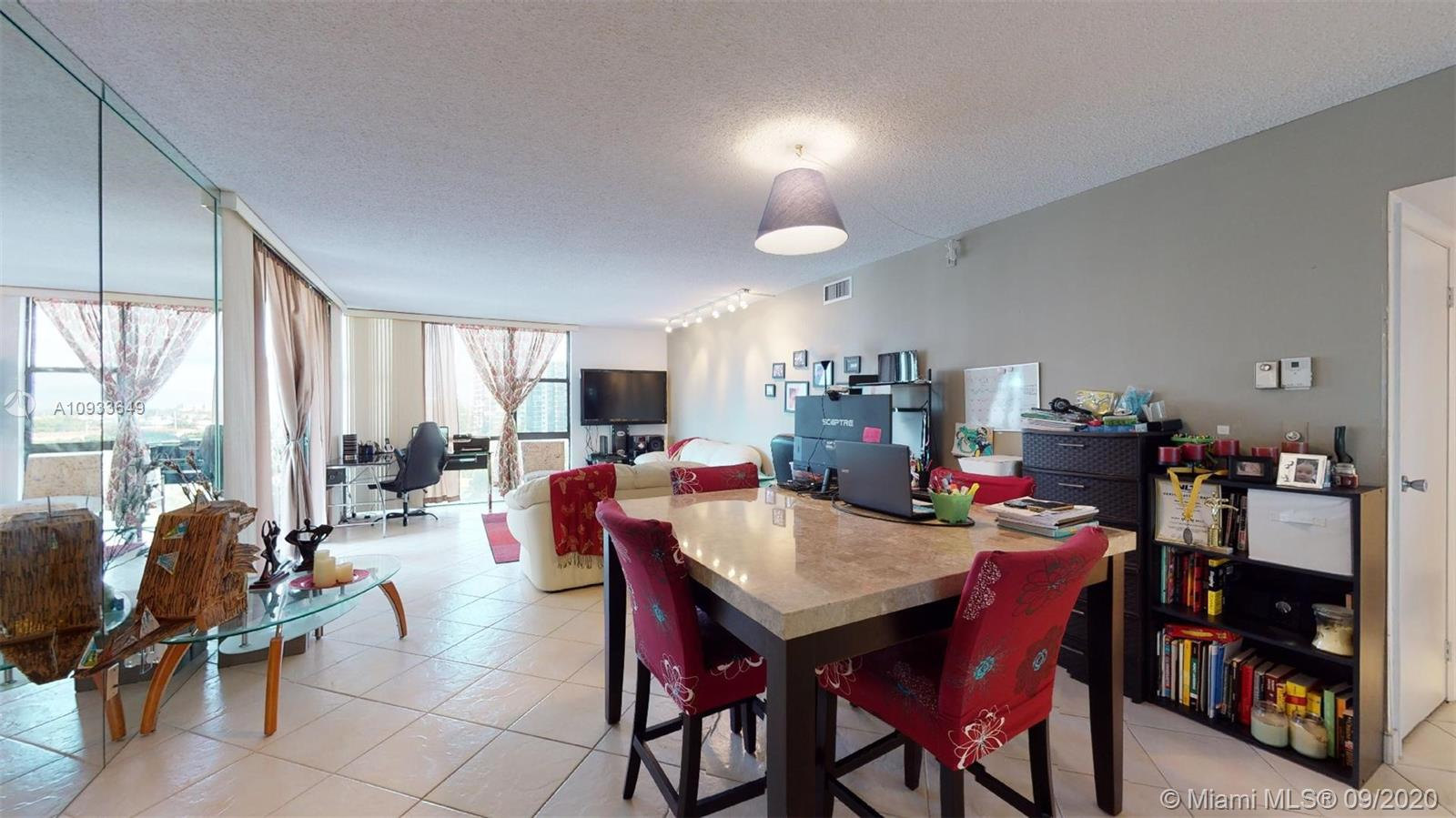 20301 W Country Club Dr #829 For Sale A10933649, FL