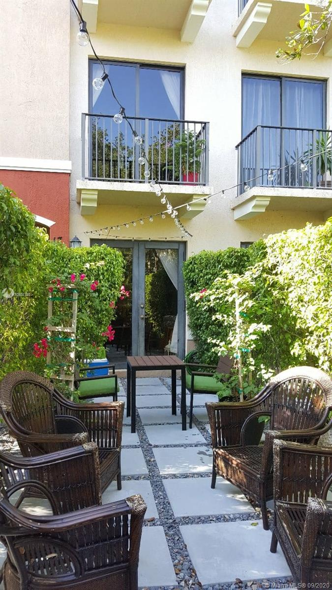 7743 SW 99th St #17 For Sale A10934148, FL