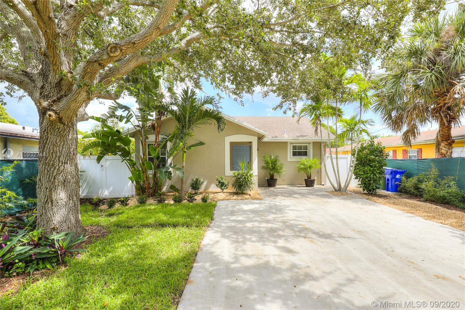1204 NE 3rd Ave  For Sale A10932744, FL