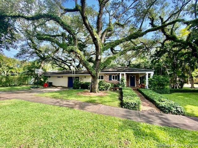 SHORT TERM RENTAL HOUSE IN CORAL GABLES