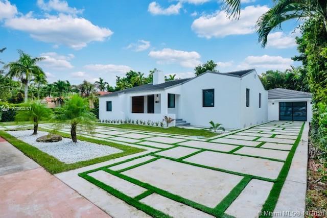 841  Granada Groves Ct  For Sale A10933761, FL