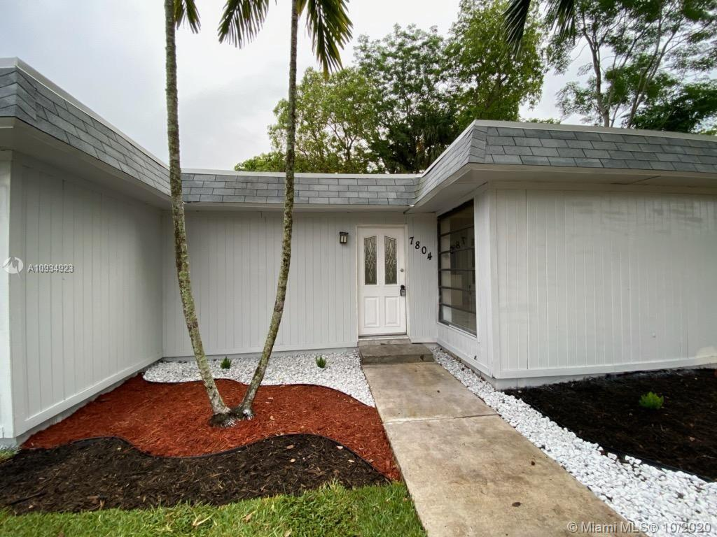 7804 NW 75th Ave  For Sale A10934923, FL