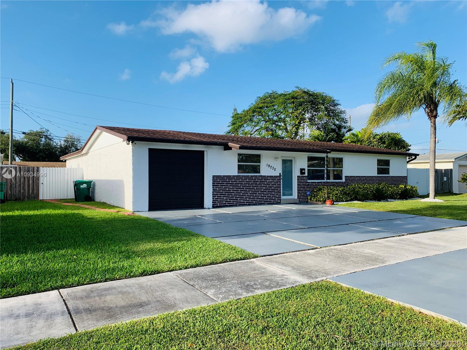 19230 SW 93rd Rd  For Sale A10934996, FL
