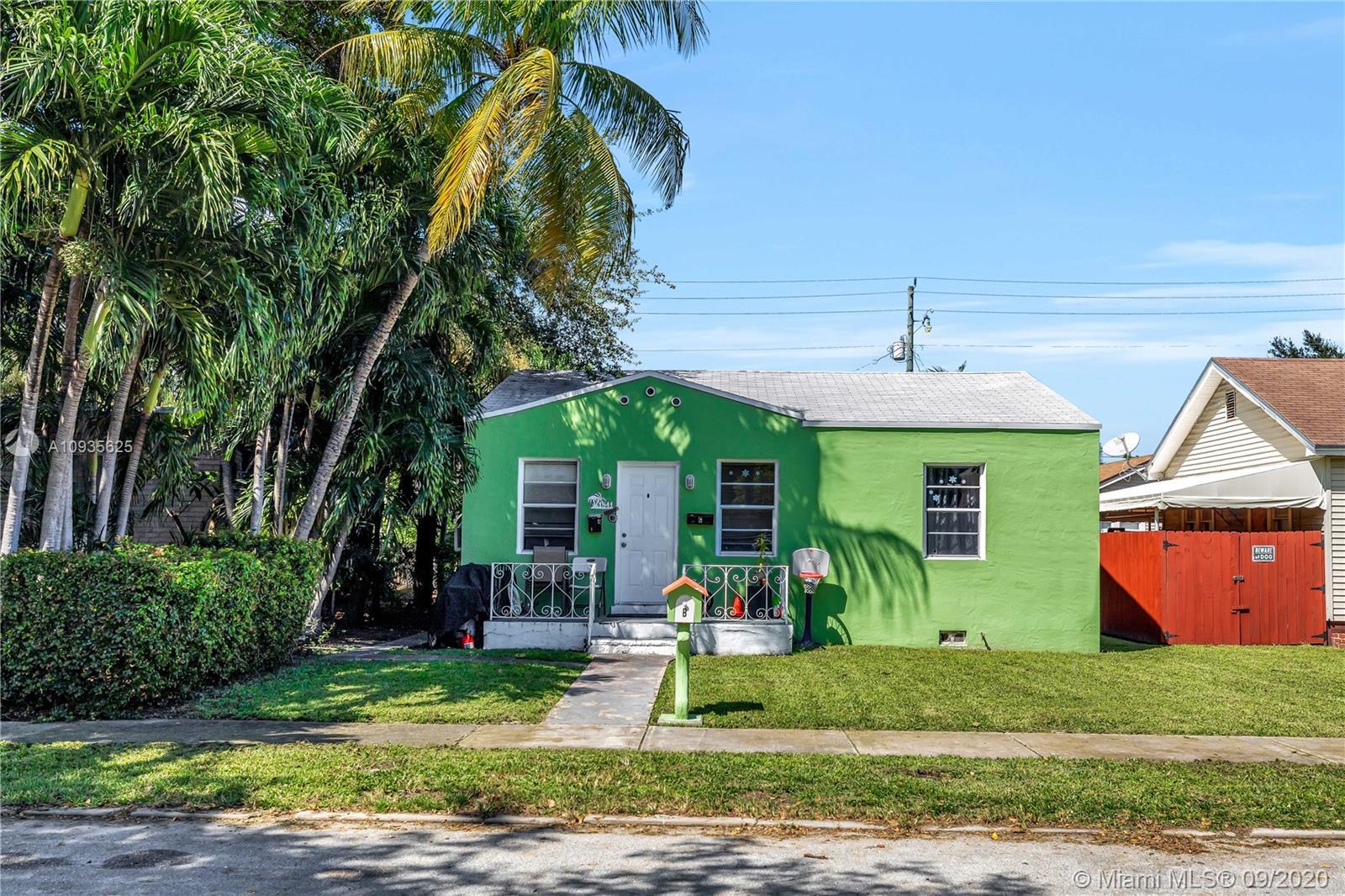 1841  Buchanan St  For Sale A10935625, FL