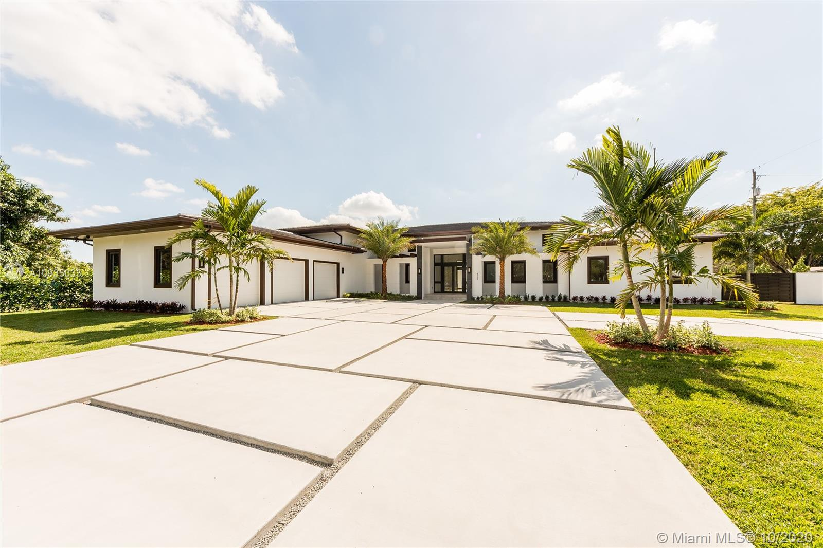 9150 SW 124th St  For Sale A10935033, FL