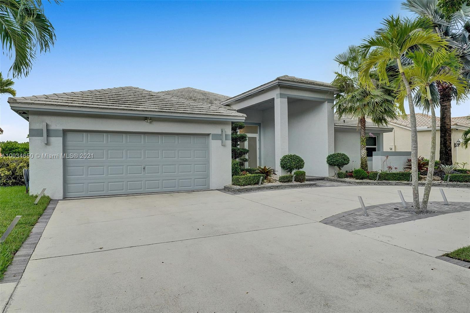 1848  Water Ridge Dr  For Sale A10934650, FL