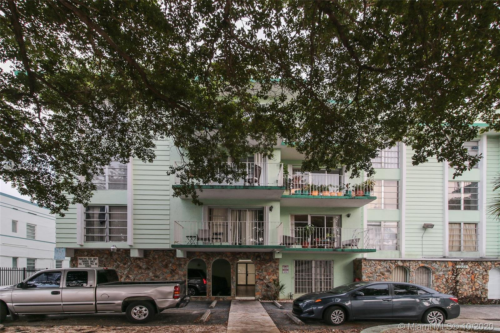1220  71st St #23 For Sale A10935929, FL
