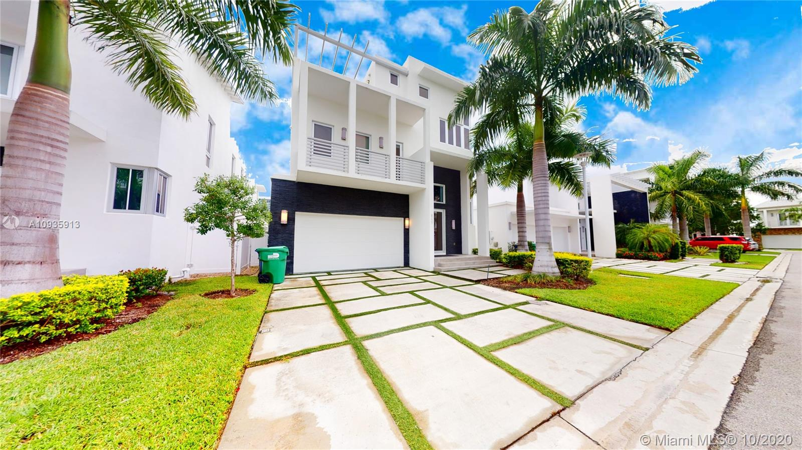 8237 NW 33rd Ter  For Sale A10935913, FL