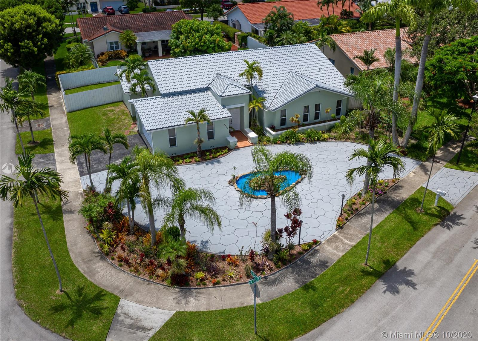 8452 SW 82nd Ter  For Sale A10936193, FL