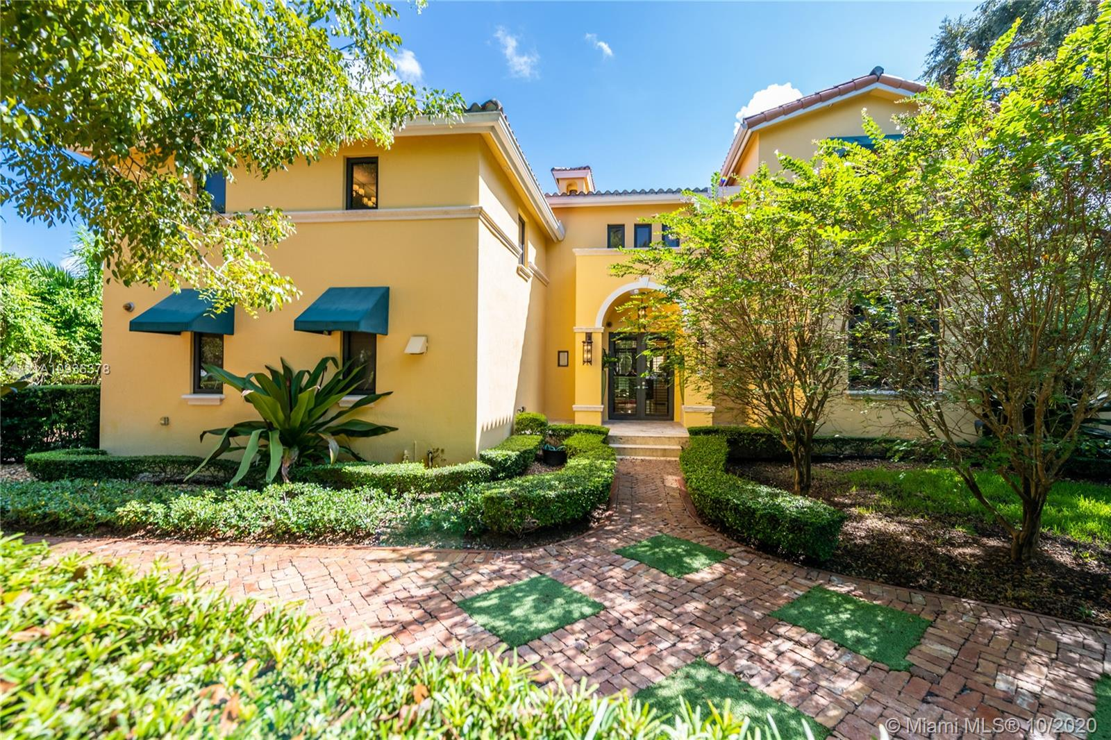 5720 SW 82nd St  For Sale A10936378, FL
