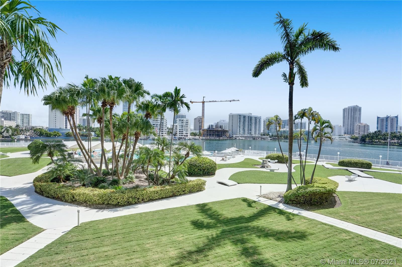 900  Bay Dr #122 For Sale A10936069, FL