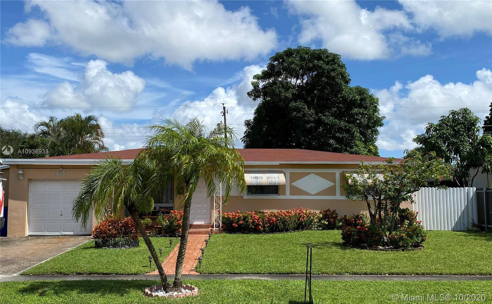 711 SW 69th Ave  For Sale A10936933, FL