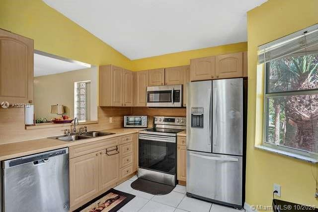 7940 NW 6th St #201 For Sale A10937127, FL