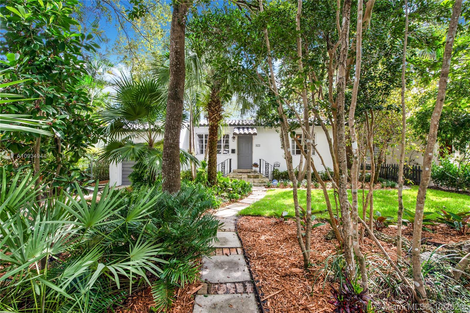 823  Monterey St  For Sale A10934944, FL