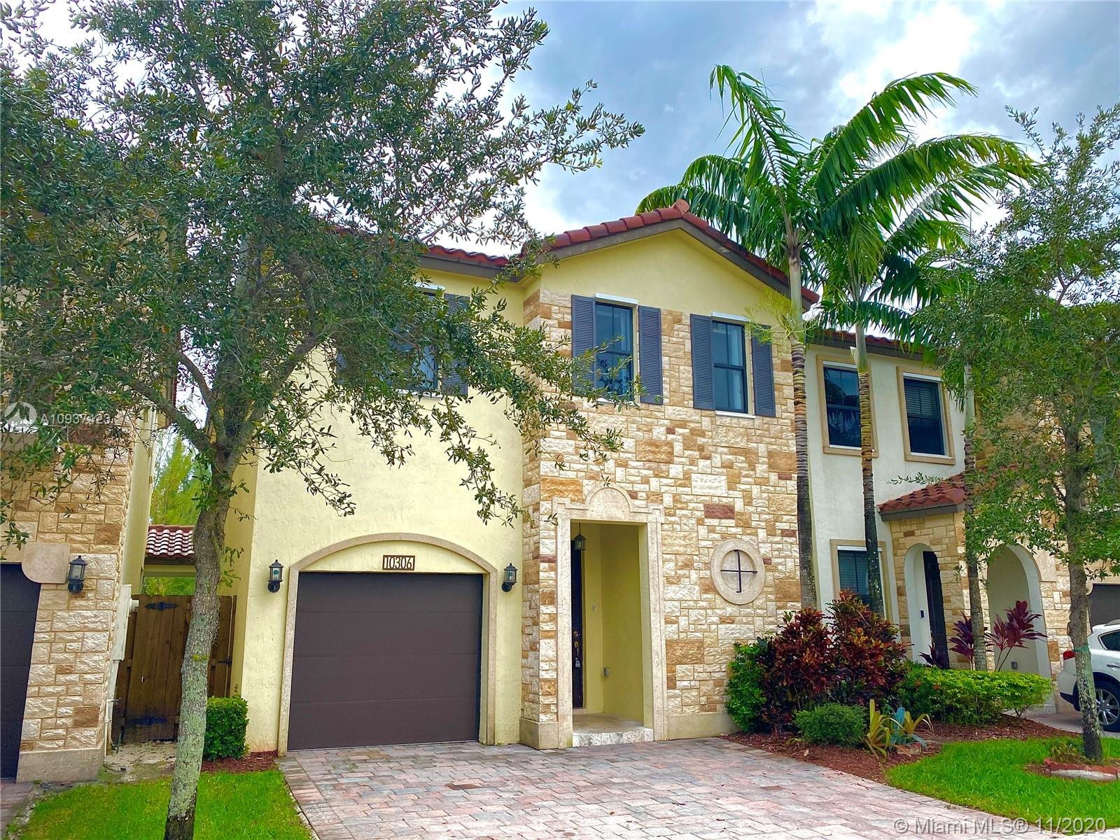 10306 NW 70th Ter  For Sale A10937423, FL