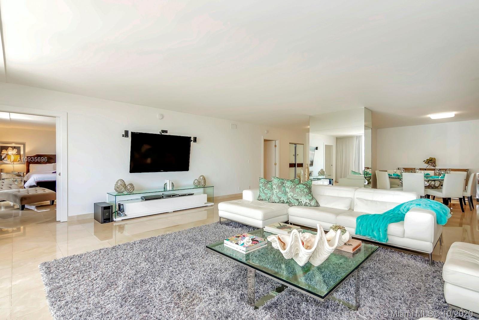 10155  Collins Ave   403-1
