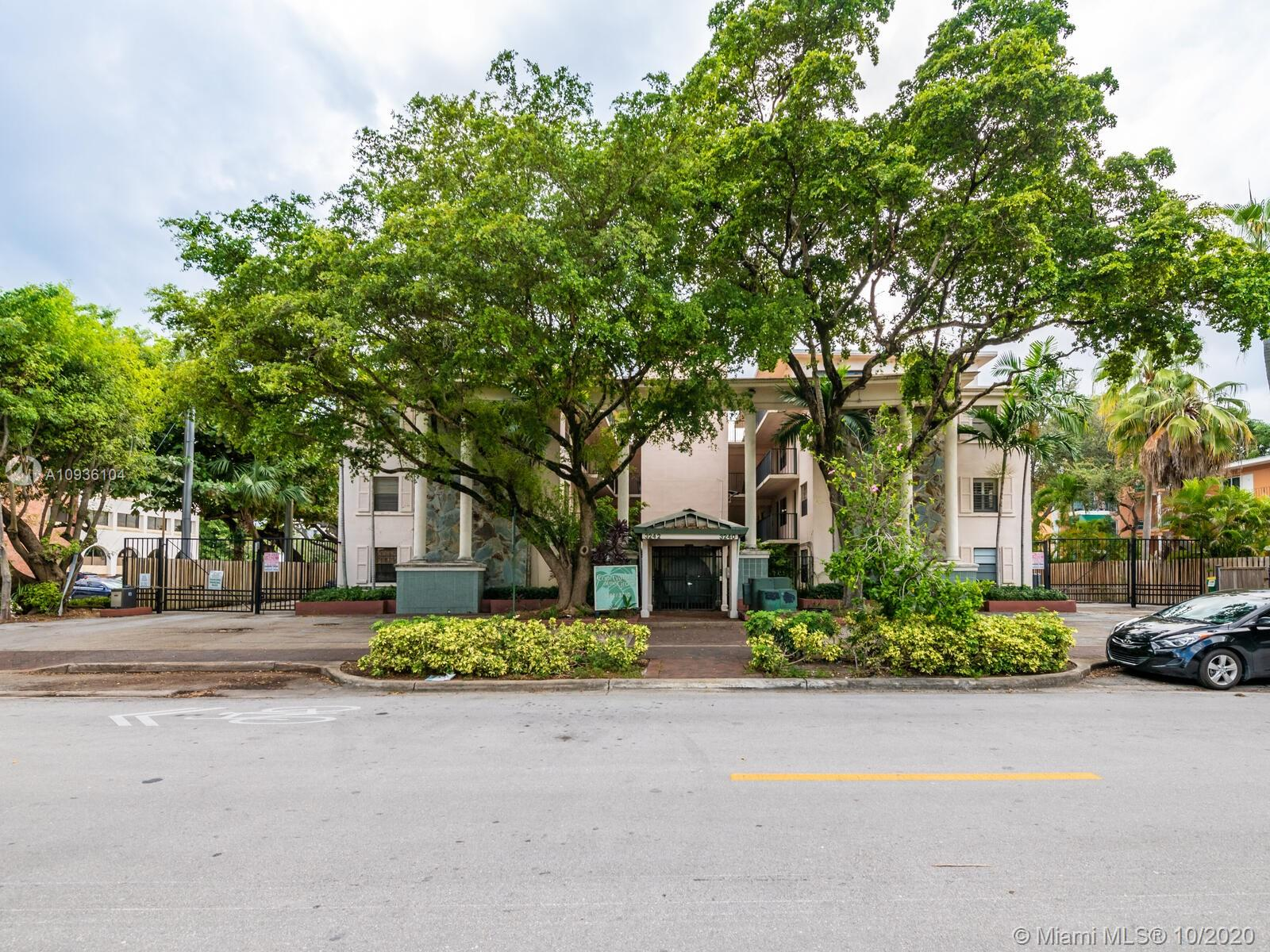 Great apartment in the heart of Coconut Grove.New beautiful white kitchen, light and airy, 2 bedrooms 1 bath remodeled. Close to Cocowalk, restaurants and movies. Walk-able 10.There is a common laundry. Gated and secure parking for 2 cars!. Two pools and tropical landscape .Pet friendly.