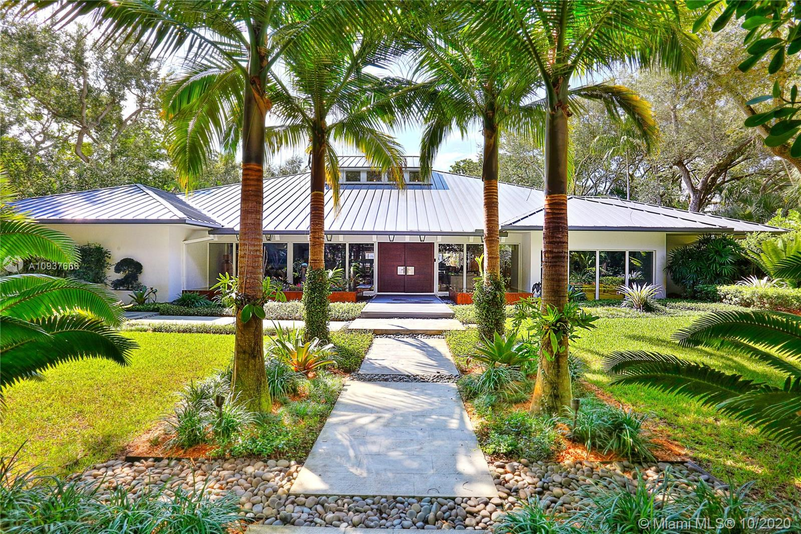 5520  Oakwood Ln  For Sale A10937666, FL