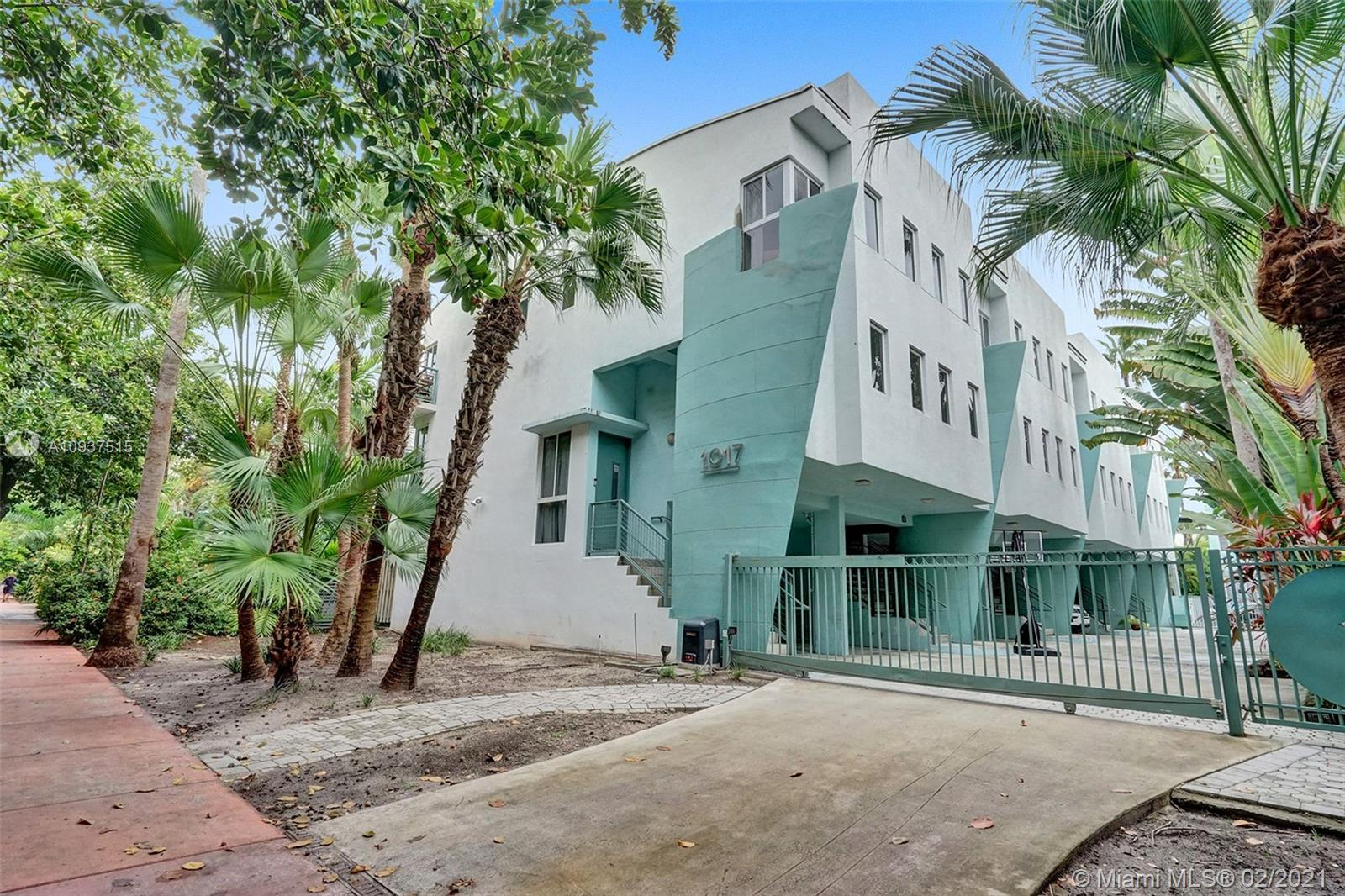 1017  Meridian Ave #1 For Sale A10937515, FL