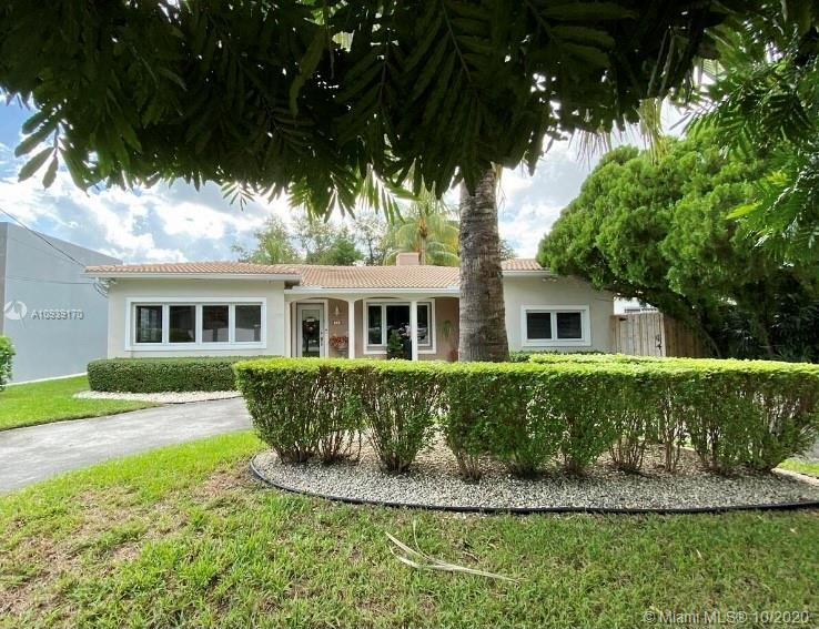 60 SW 30th Rd  For Sale A10939170, FL
