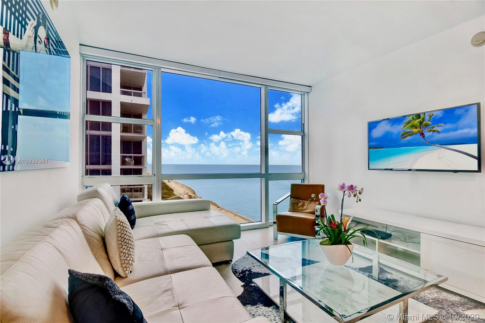 6801  Collins Ave #LPH11 For Sale A10939361, FL