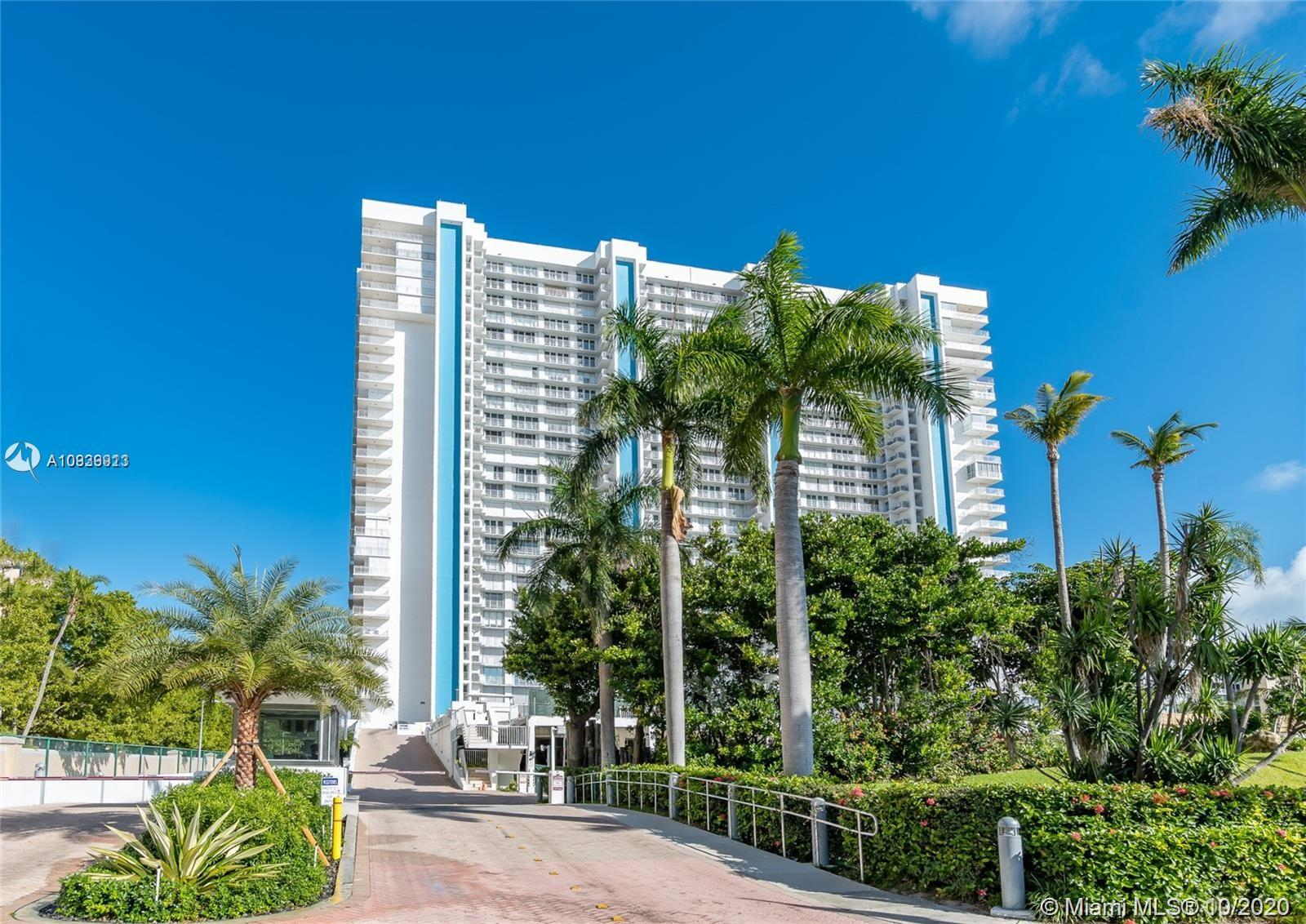 881  Ocean Dr #14D For Sale A10939913, FL