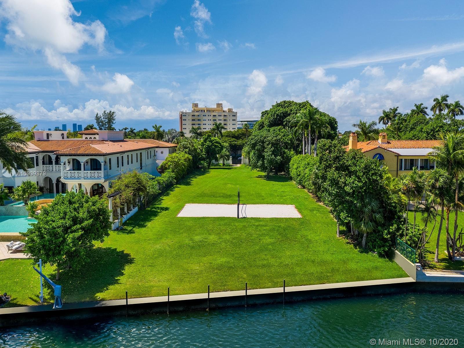 4721  Pine Tree Dr  For Sale A10939879, FL