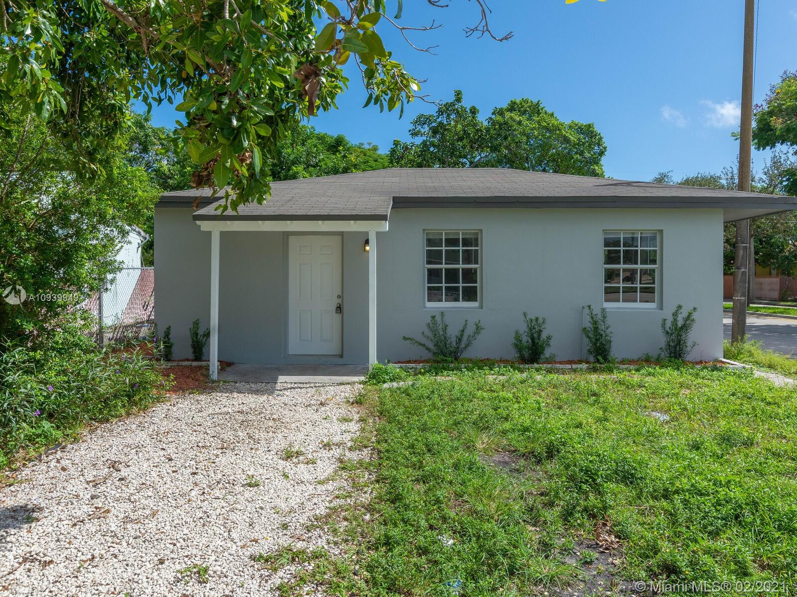 1300 NE 1st Ave  For Sale A10939949, FL