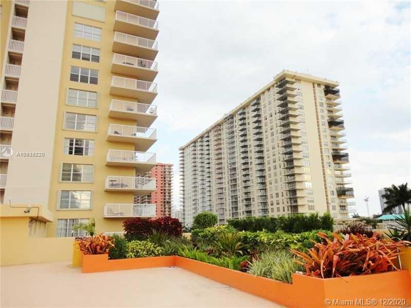 231  174th St #308 For Sale A10939220, FL