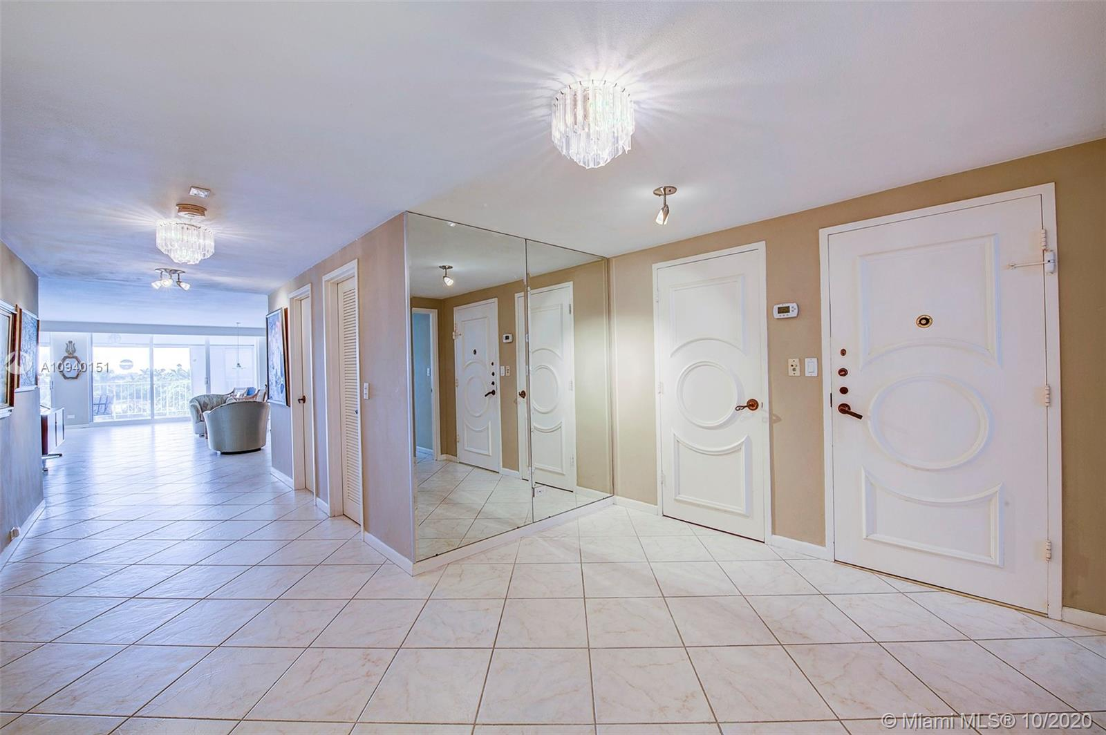 10180 W Bay Harbor Dr #5A For Sale A10940151, FL