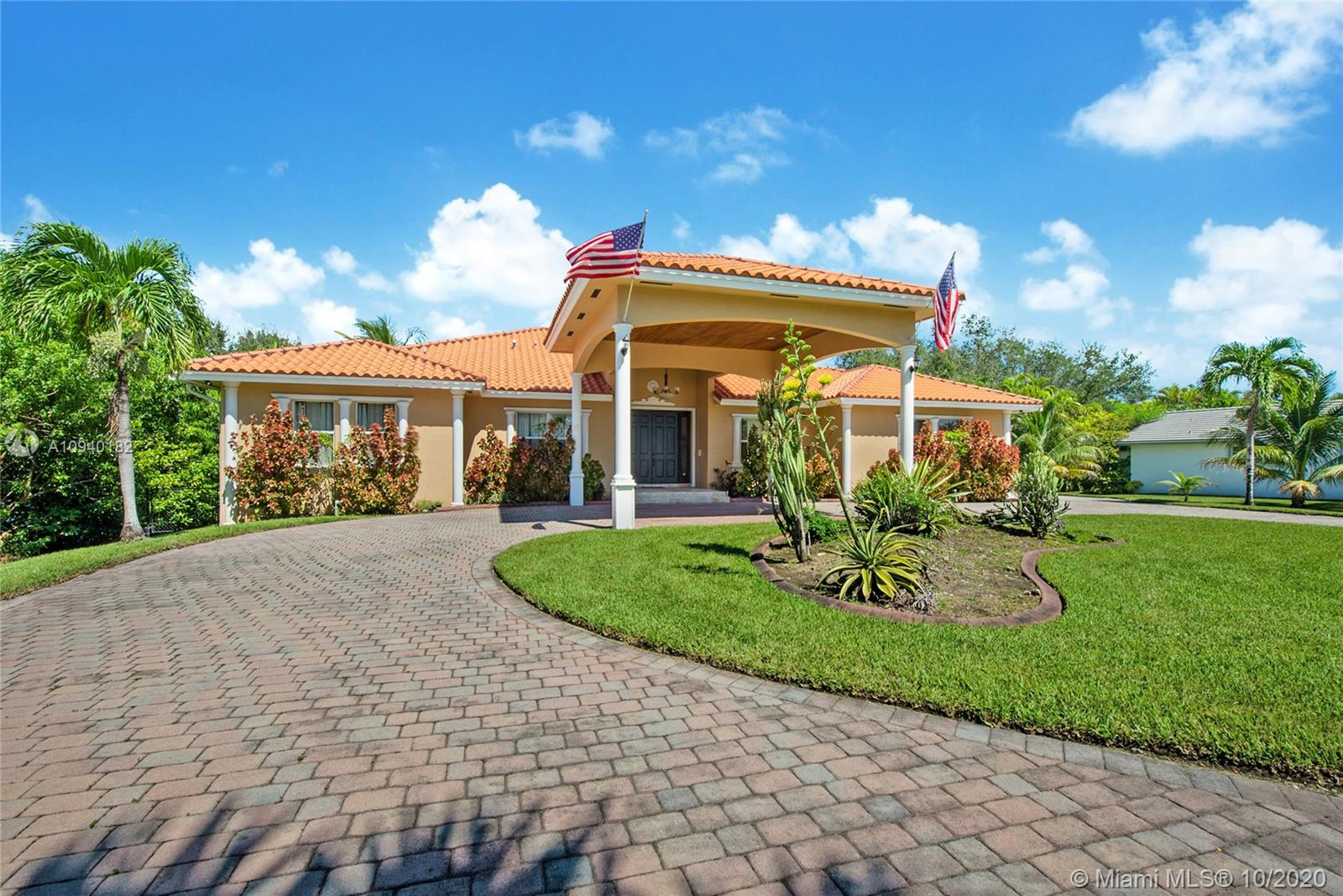 8395 SW 187th Ter  For Sale A10940182, FL