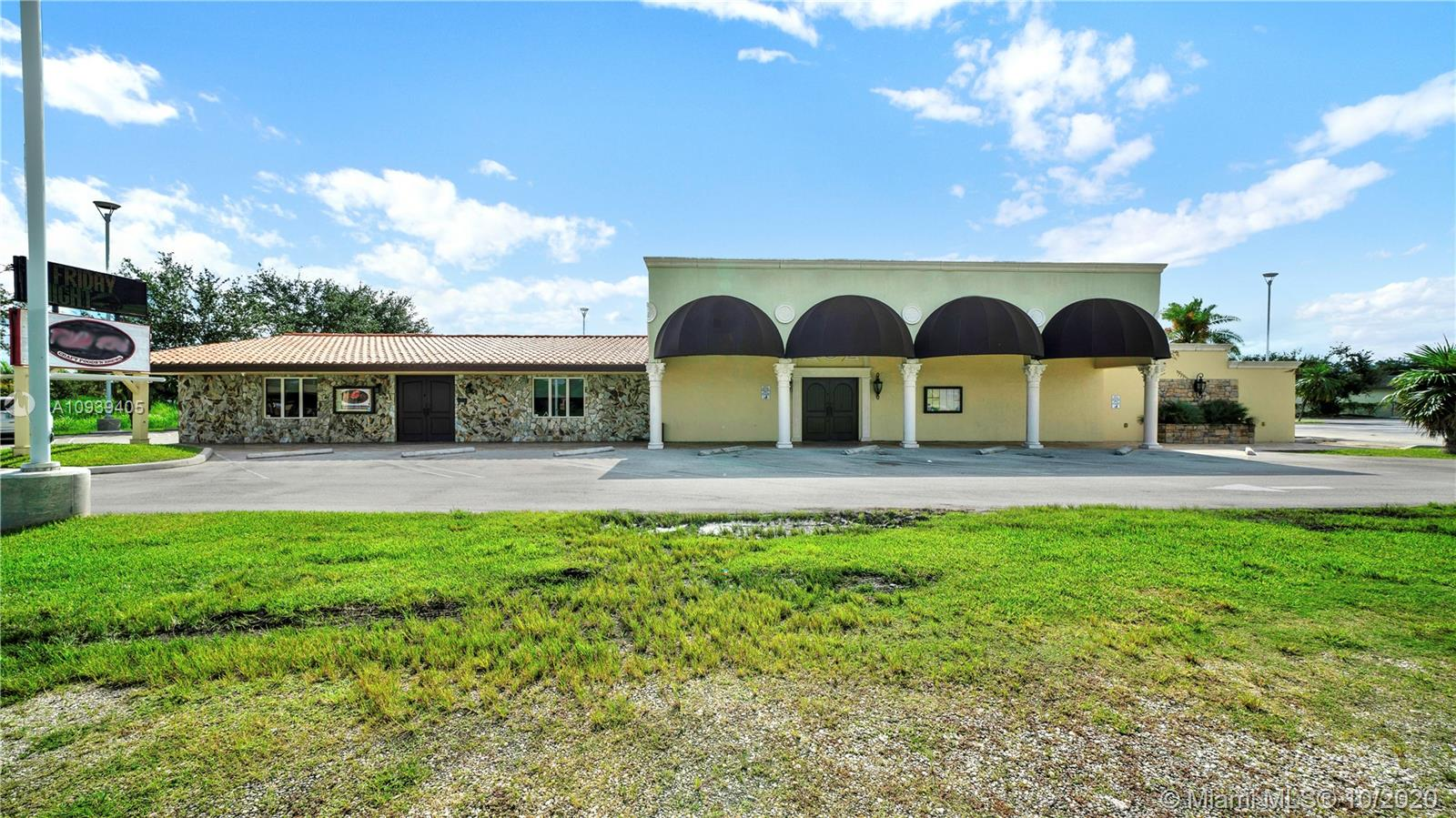 935 N Krome Ave  For Sale A10939405, FL