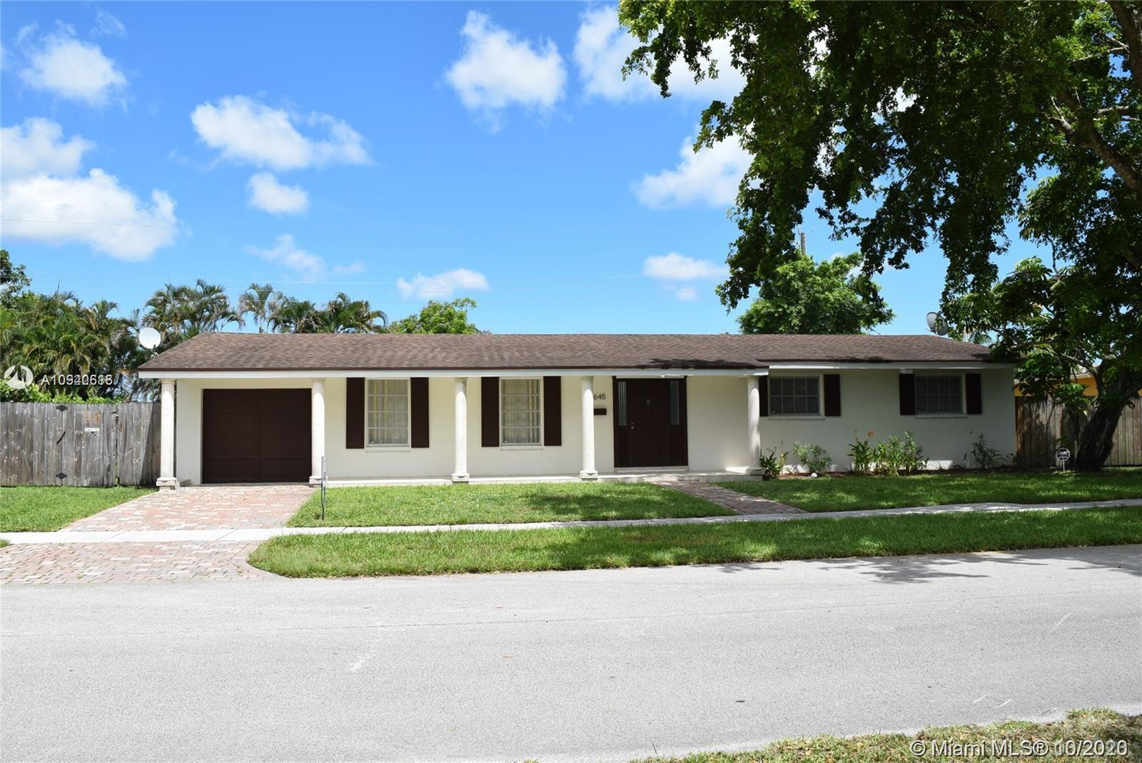 8645 SW 94th Ave  For Sale A10940613, FL