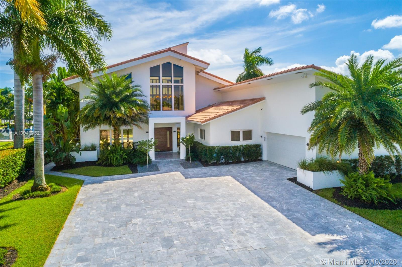 479  Sunset Dr  For Sale A10940352, FL