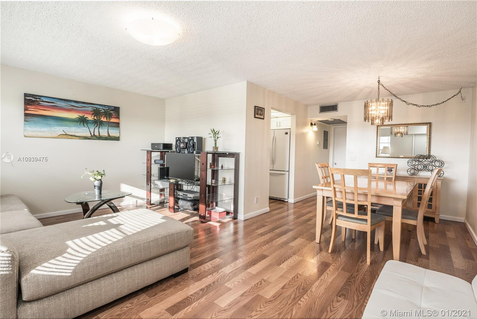 1401 SW 135th Ter #404H For Sale A10939475, FL